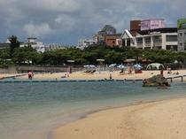 波之上ビーチ(徒歩約15分)那覇市で唯一の海水浴場です。
