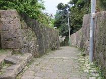 首里金城町石畳道(車で約20分)