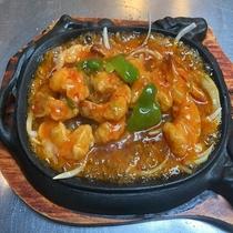 【台湾料理昇龍】鉄板エビチリで熱々をご賞味ください♪