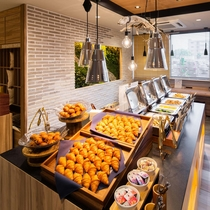 Organic 毎朝ホテルで焼き上げる焼きたてパン。種類も豊富にご用意しております!