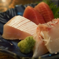 【割烹まごころ】瀬戸内で採れる新鮮な魚類をお刺身で♪
