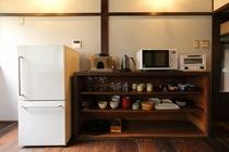 冷蔵庫や調理器具、食器