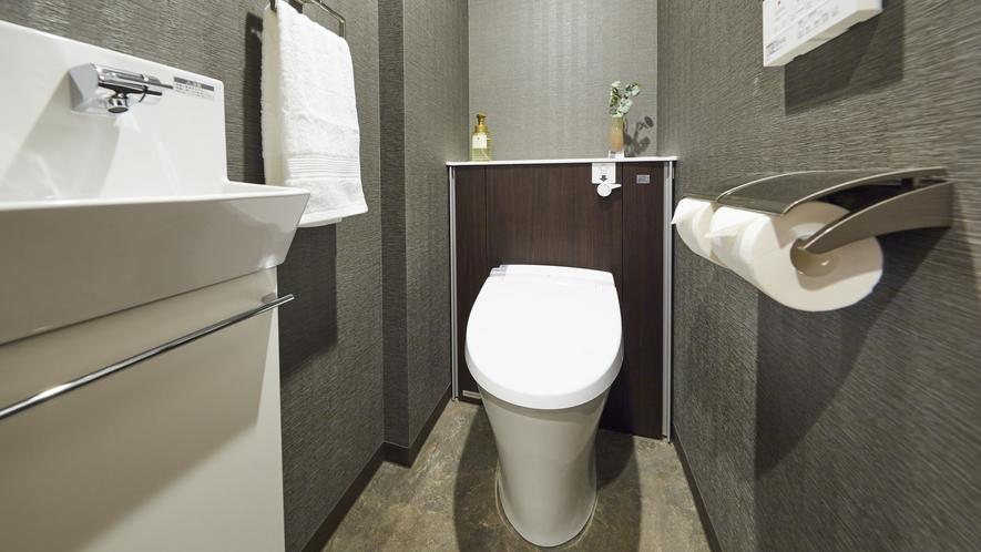 客室内のトイレ