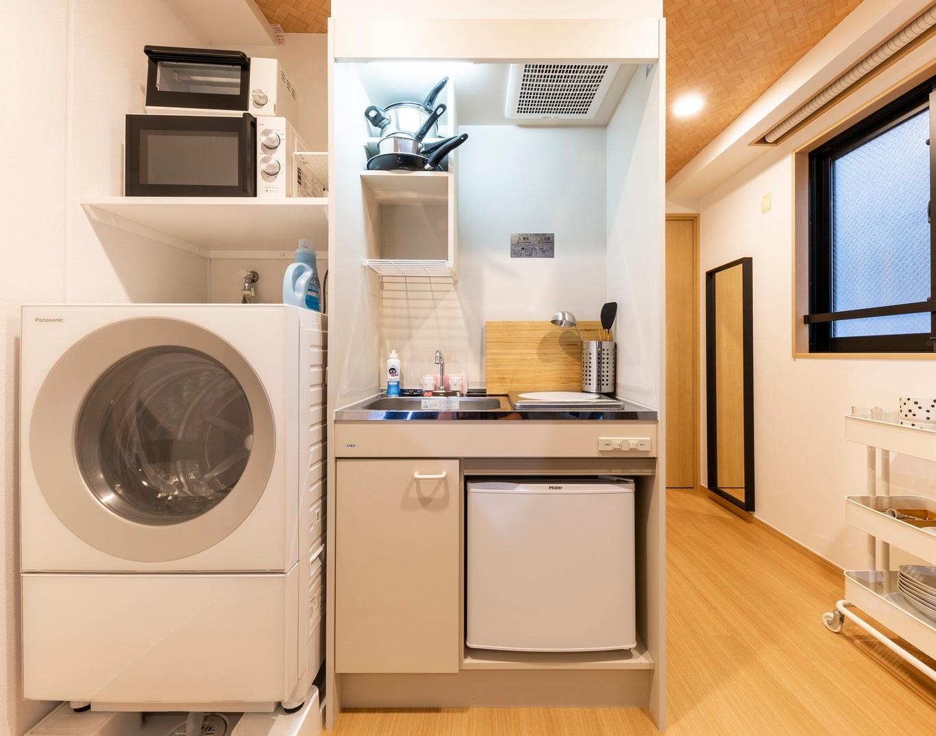 401号室-洗濯機およびキッチン