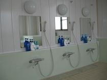 共同浴場(洗い場)