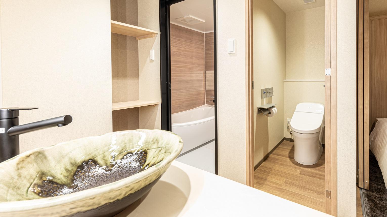 ツイン・トリプルのお風呂とトイレと洗面台