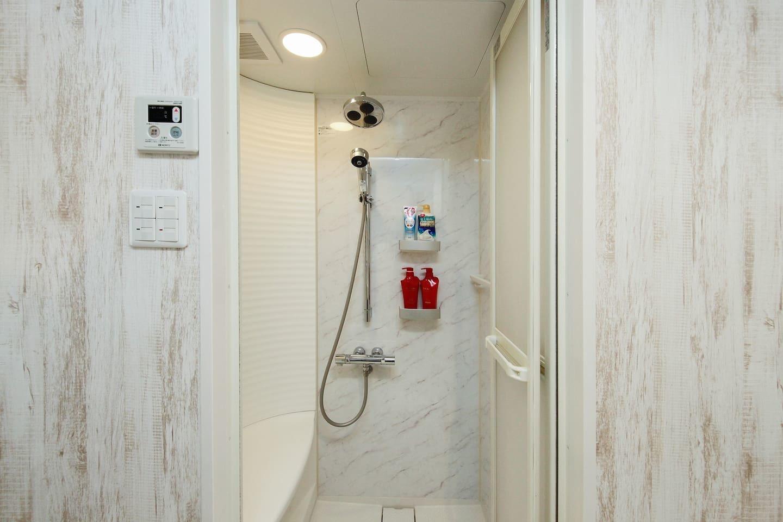 シャワー2F