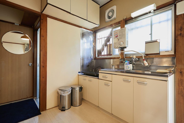 ルームB キッチン