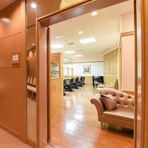 *【館内(美容室)】婚礼のお客様に向けた美容室を設けております