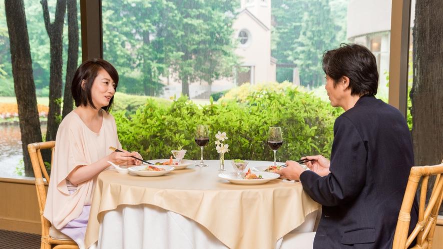 **【中国料理 花林(一例)】落ち着いた雰囲気のレストランは、ご夫婦のお食事に最適です