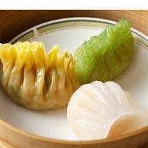 *【夕食・中国料理(一例)】蒸かしたての点心もご用意しております