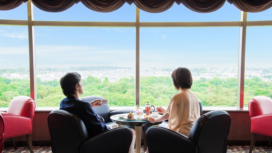 **【ラウンジ ダコタ(一例)】最上階からの景色は、他では見ることのできない絶景です