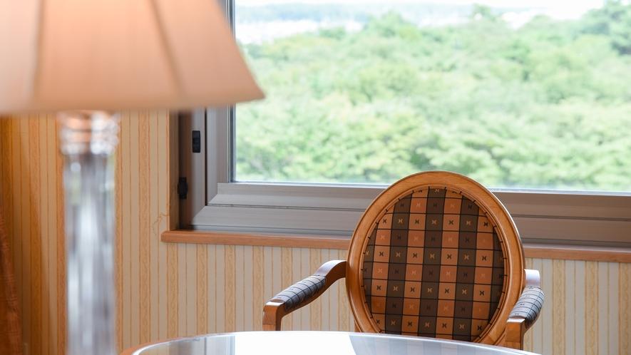 **【部屋(コーナーツイン)】木のぬくもりを大切にした客室