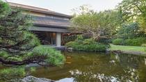 **【日本料理 車屋(一例)】日本庭園の風情を感じながら、会席料理を