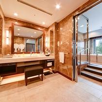*【部屋(ケアリングスイート)】石張りのバスルームには、バスルームの床暖房を備えています