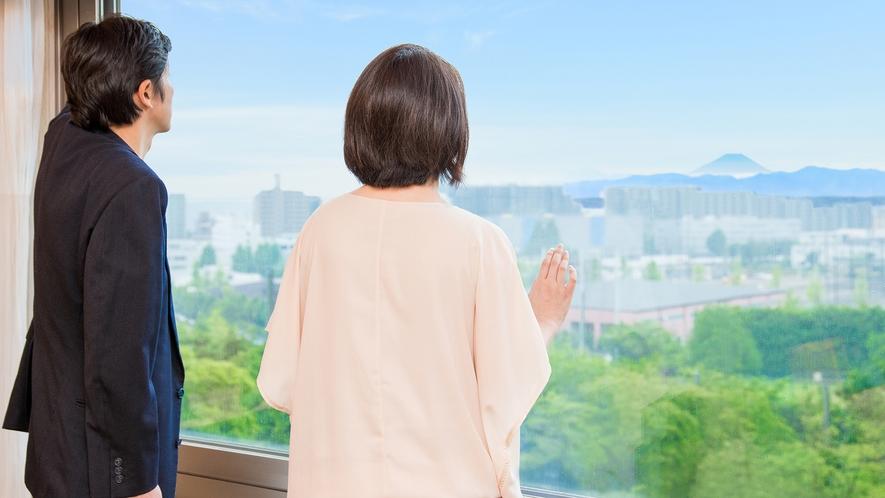 **【コーナーツイン(一例)】昭島の町並みを眺めるお部屋で、快適な滞在を