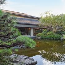 *【日本料理 車屋(一例)】日本庭園の風情を感じながら、会席料理を