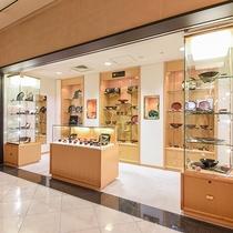 *【館内(平安堂)】漆器で有名な「山田平安堂」の商品を取り扱っております