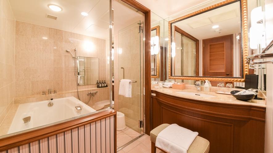 **【部屋(フローリングスイート)】バスルームも木のぬくもりを大切にしています