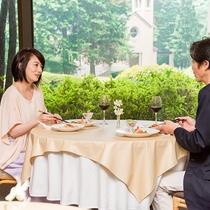 *【中国料理 花林(一例)】落ち着いた雰囲気のレストランは、ご夫婦のお食事に最適です