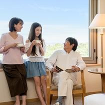 *【客室(一例)】開放的な客室で、普段よりも会話が弾みます