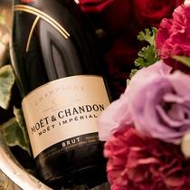 *【記念日プラン(イメージ))】日ごろの想いをシャンパンと花束を添えて