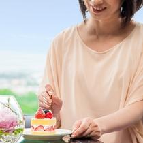 *【ラウンジ ダコタ(一例)】昼間はケーキなどをお愉しみいただけます