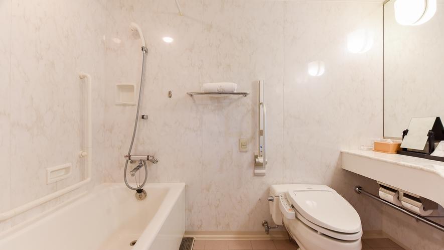 **【シングルルーム(一例)】トイレやドアなどの一部の設備がバリアフリー仕様となっております。