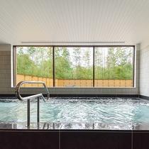 *【大浴場(一例)】広々とした大浴場で、ゆっくりと旅の疲れを癒してください。