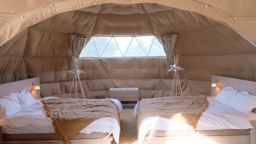 ベッドルーム(6m)には170cm幅のクイーンベッドが2台(EXスイート・ツインドーム)