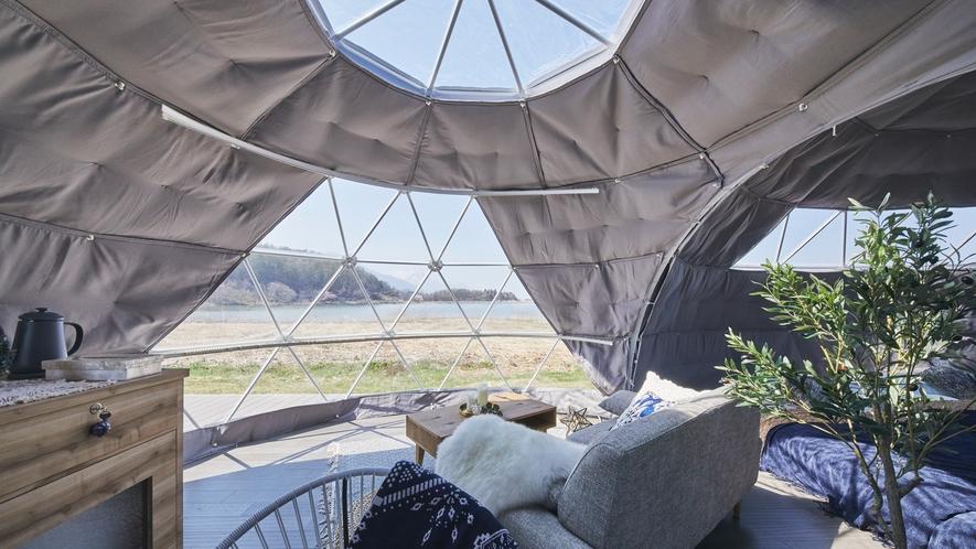 霊仙寺湖の季節の移り変わりを感じられるお部屋(レイクサイドビュー・ツインドーム)