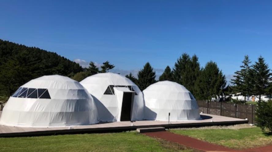 【TOM】エグゼクティブスイート・トリプルドーム(6m+7m+6m)世界初のトリプルドームテント