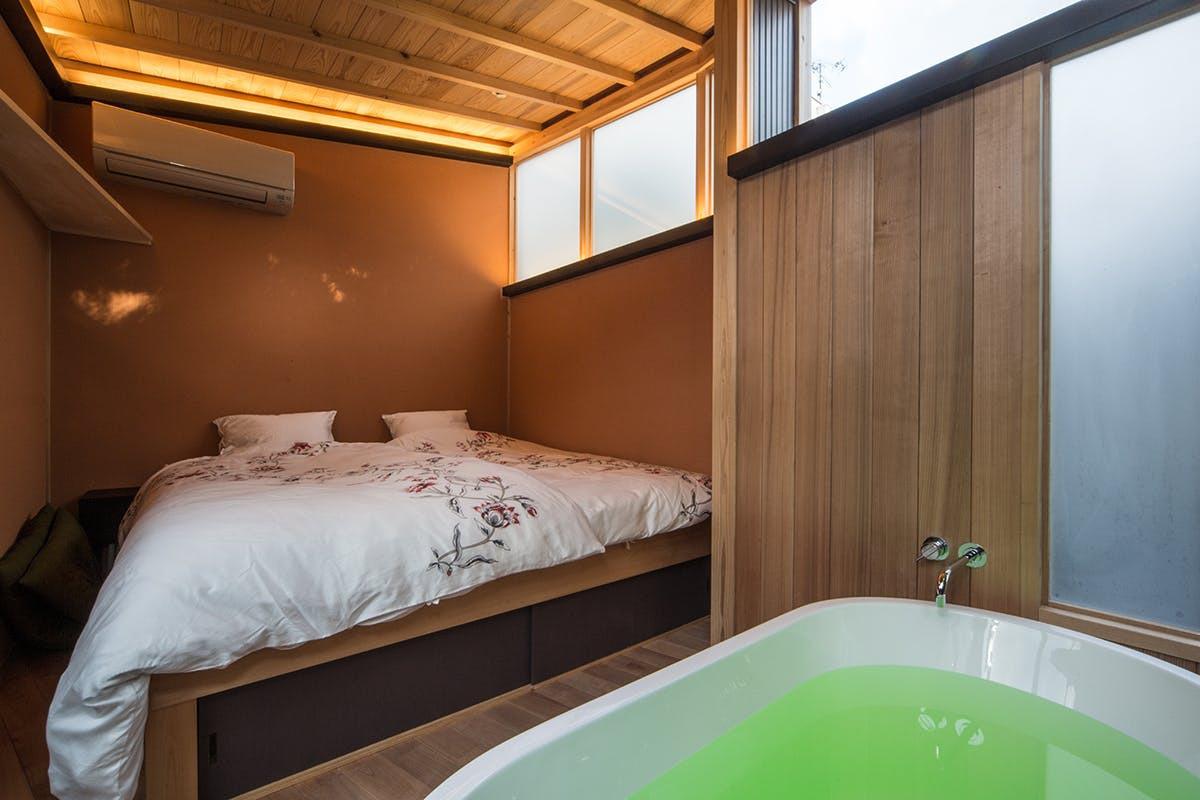 2F Temple View Suite (Bed/ Bath)