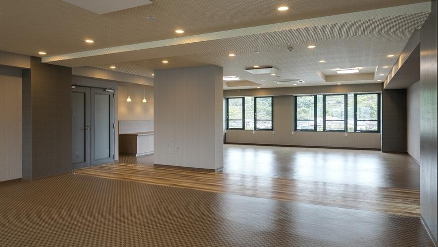 <多目的ホール 弥山>ホテル館内2階にございます。