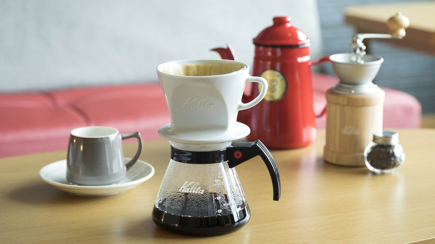 <客室設備>デラックスツイン・エグゼグティブツイン・スイート限定 ミル引きコーヒーセットを設置