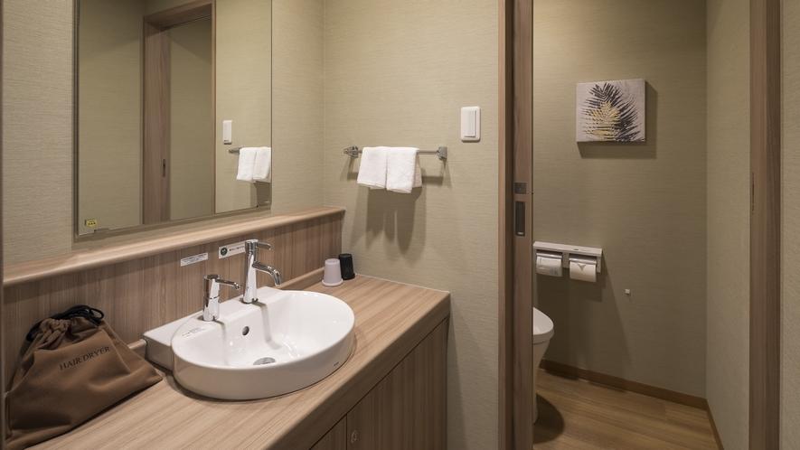 <客室>スイートルームのお手洗い ※ご予約はお電話にて承ります。