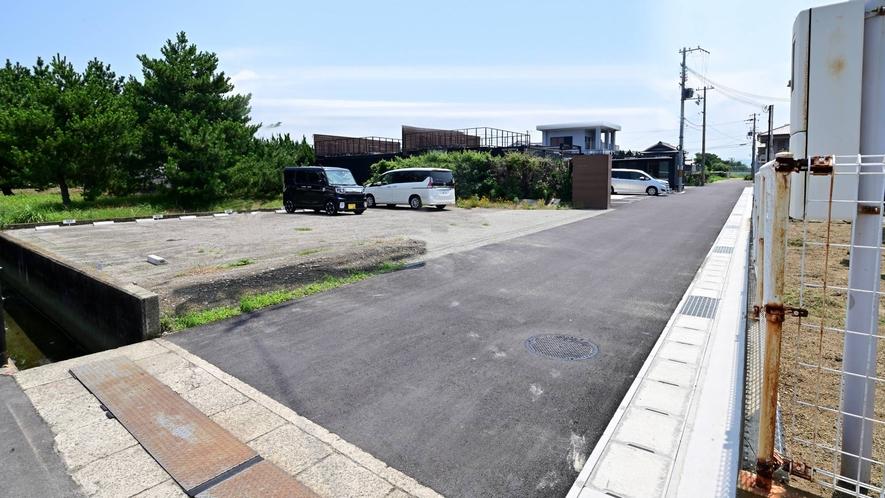 ・第二(建物横)駐車場