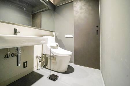 客室内バスルームエリア
