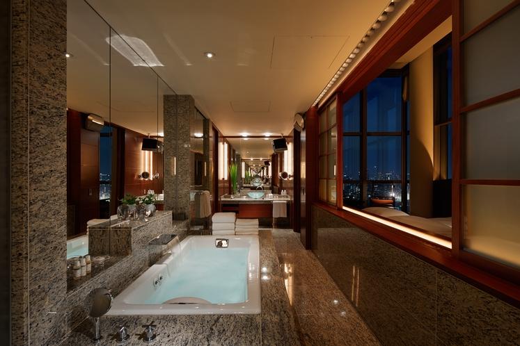 プレジデンシャル スイート バスルーム