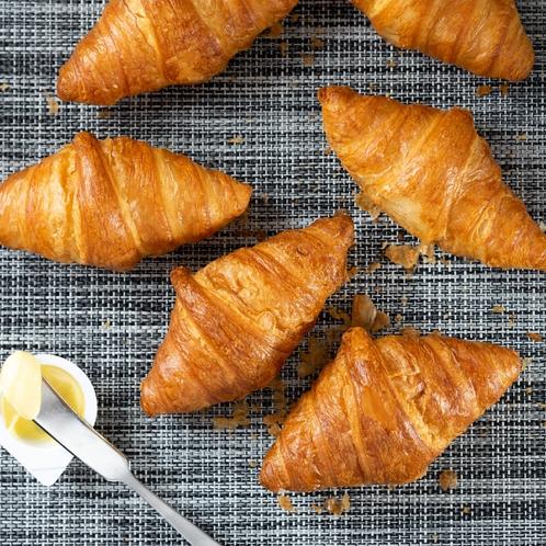 【Organic】毎朝ホテルで焼き上げる焼きたてパン。種類も豊富にご用意しております!