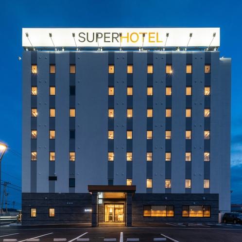 ホテル外観 夜