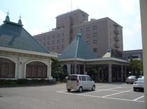ホテル東面