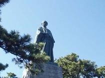 桂浜に建つ坂本龍馬像