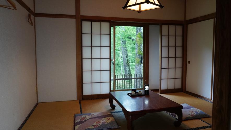 【東館・和室6畳】お一人様のご利用にも人気の、コンパクトなお部屋です。