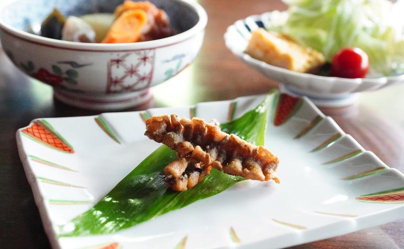 ご朝食【贅沢・信州山ごはん】グレードアッププランのご朝食のみに、岩魚のムニエルをご提供しています。