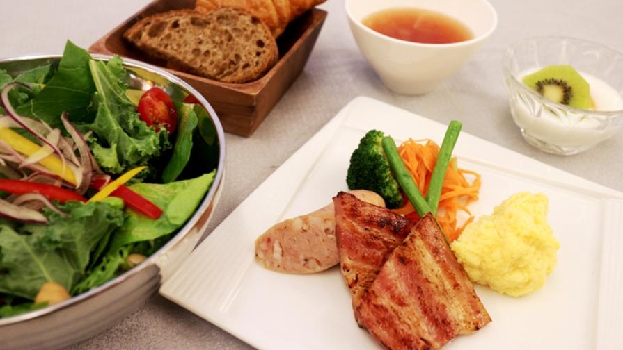 【栄駅2番出口より徒歩1分】Breakfastプラン《朝食付き》