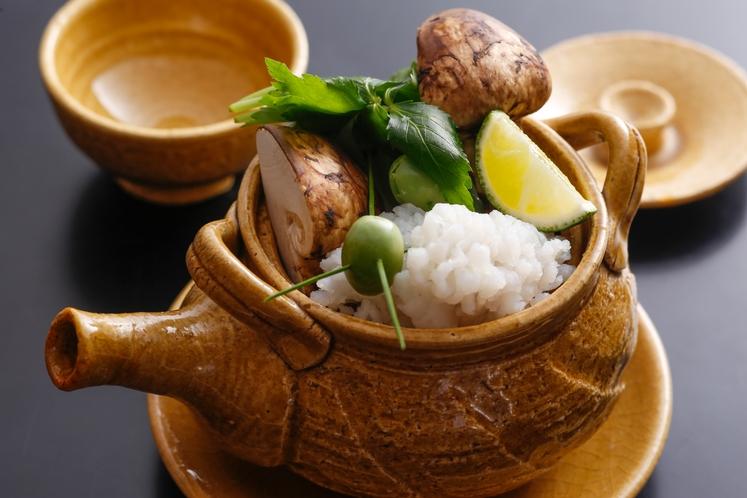 鱧&松茸の土瓶蒸し