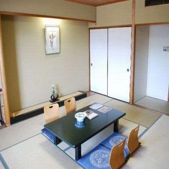 ちょっと広めの12.5畳現代和風の和室 【禁煙】