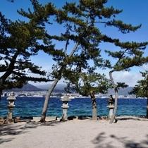 厳島神社へ通じる御笠の浜
