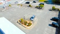 広々平面駐車場・駐車場代は無料